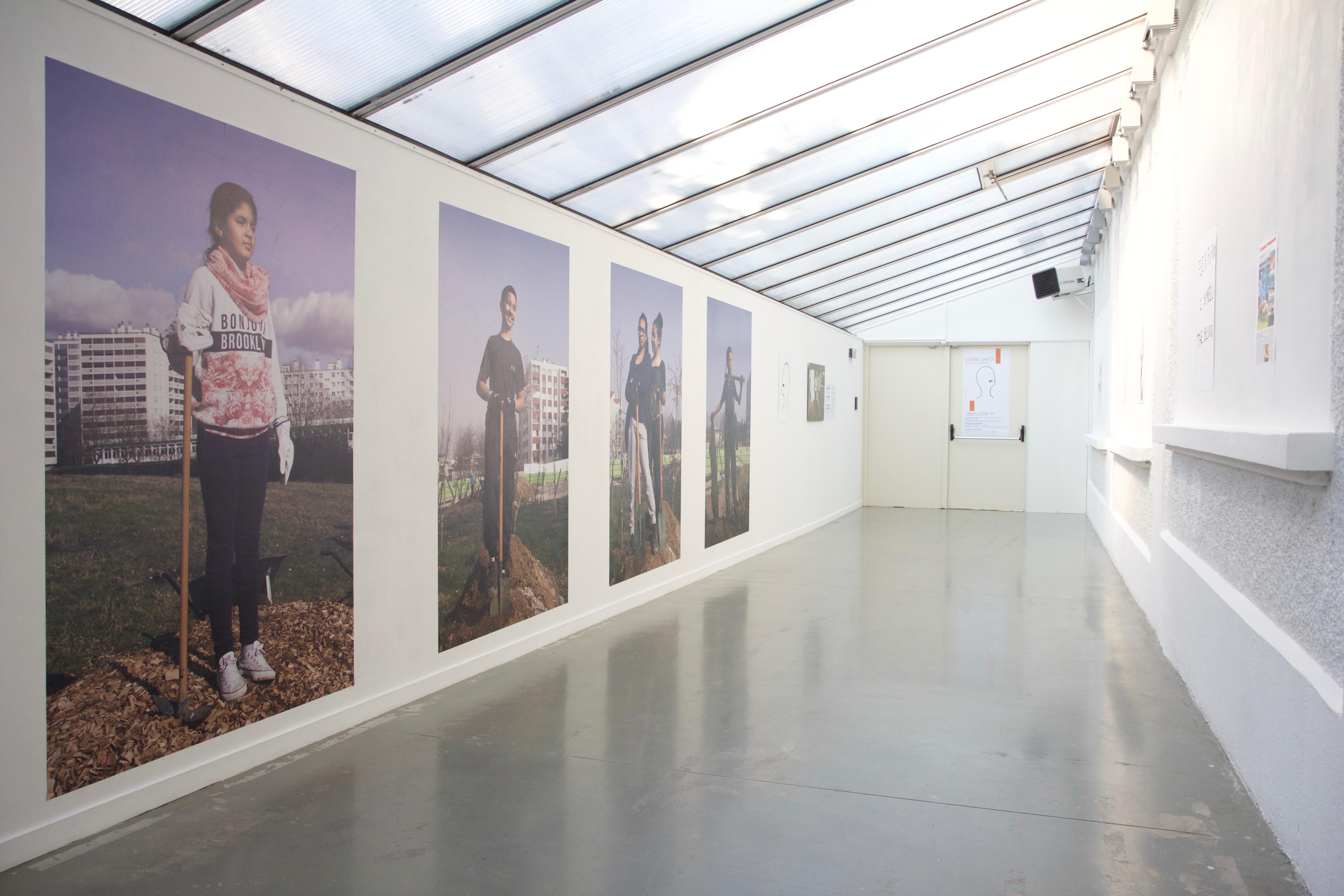 Portraits des héros, Photographies imprimées sur papier affiche. 120x200cm Thierry Boutonnier  2012-2018